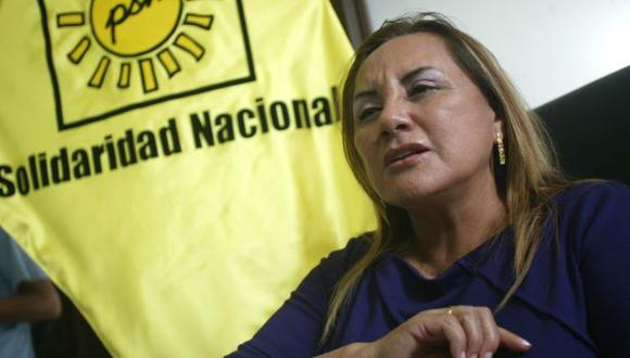Rosa Núñez renunció a Solidaridad Nacional y se une a apristas