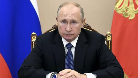 El presidente ruso Vladimir Putin preside una reunión del Consejo de Seguridad a través de una videoconferencia en Moscú, Rusia. (Foto: Alexei Nikolsky, Sputnik, Kremlin Pool / AP).