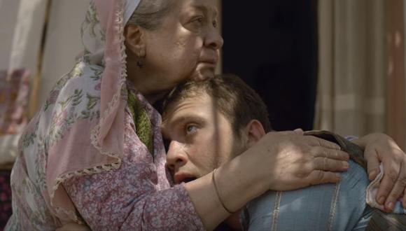 """""""Milagro en la celda 7"""" es la película turca que se robó el corazón de los usuarios de Netflix durante el inicio de la cuarentena por el COVID-19, a partir de la historia de Memo y Ova (Foto: Netflix)"""