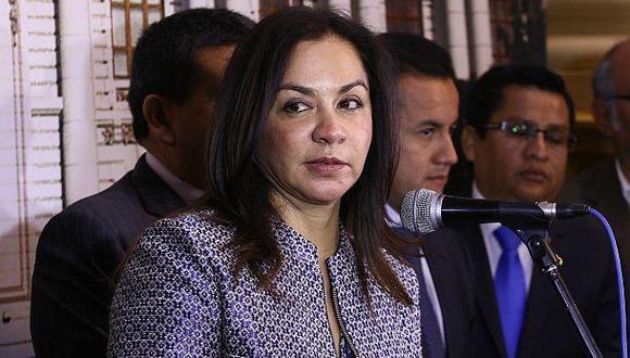 """Marisol Espinoza: """"Es acertada la renuncia de Víctor Albrecht"""""""