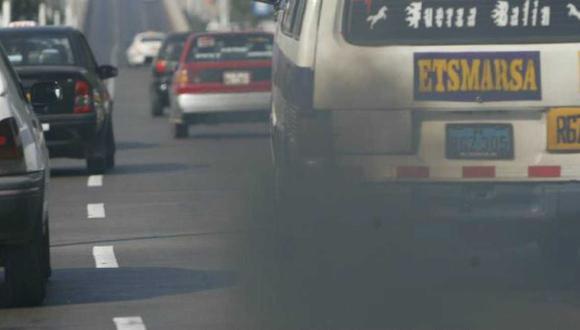 Lima es una de las ciudades más contaminadas de Latinoamérica. Su parque automotor, que tiene un promedio de 14 años de antigüedad, es el principal generador de material particulado y gases contaminantes (Foto: GEC)