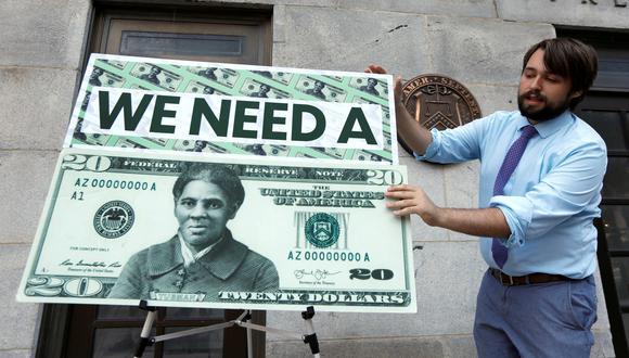 La iniciativa de colocar el rostro de Harriet Tubman en el billete de 20 dólares data del 2015. Durante el gobierno de Trump, se dejó de lado. (Foto: Yuri Gripas / Reuters)
