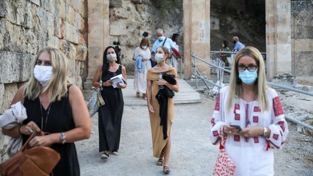 Grecia ofrece pruebas gratuitas a quien llega al continente desde algunas de las islas. (Reuters).
