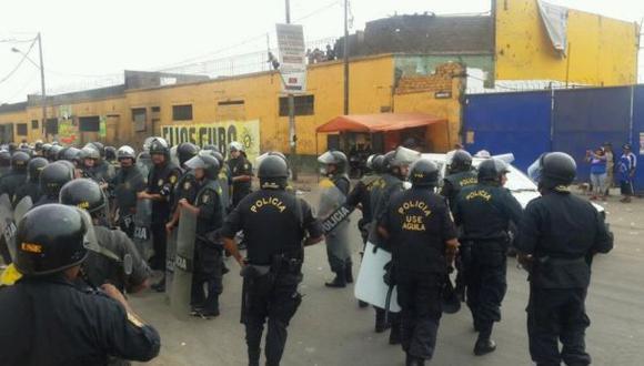 La Parada: proveen de alimentos a comerciantes atrincherados
