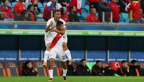 Gol de Edison Flores en el Perú vs. Chile por Copa América. (Foto: AFP)