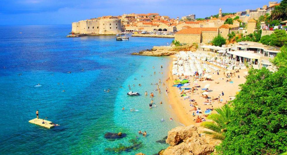 Dubrovnik. Zagreb es la capital de Croacia, pero Dubrovnik es la ciudad más popular del país. Uno de los lugares principales para visitar es la playa Gradska Plaza. (Foto: Shutterstock).