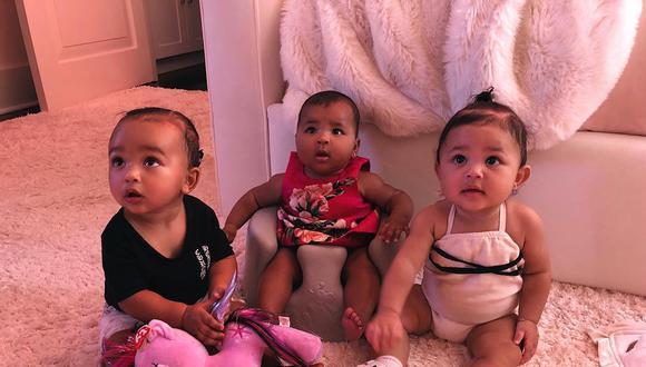 Kim Kardashian fue la primera en publicar una foto de las tres pequeñas, cuando Chicago y Stormi tenían siete mese y True cinco (Foto: Instagram)