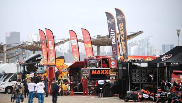 El Dakar 2019 ya empezó con la parte administrativa. El lunes empieza la carrera. (Foto: AFP).