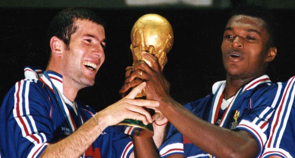 Zidane y el recuerdo de su magia en el fútbol en postales - 1