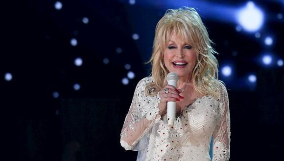 Dolly Parton donó un millón de dólares para la investigación de la vacuna contra el coronavirus de Moderna. (Foto de archivo: AFP)
