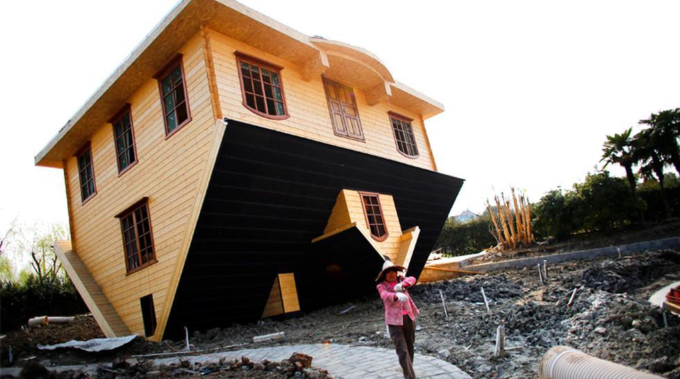 ¿Vivirías de cabeza? Inauguran una casa 'al revés' en China - 1