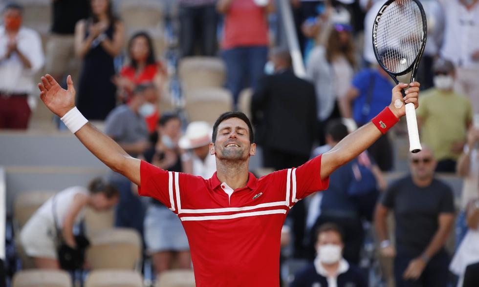Novak Djokovic gana Roland Garros con una impresionante voltereta ante Stéfanos Tsitsipas