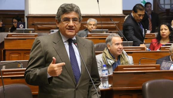 El congresista Juan Sheput indicó que hay disposición de su bancada de conversar con los renunciantes a la bancada oficialista. (Foto: Congreso / Video: TV Perú)