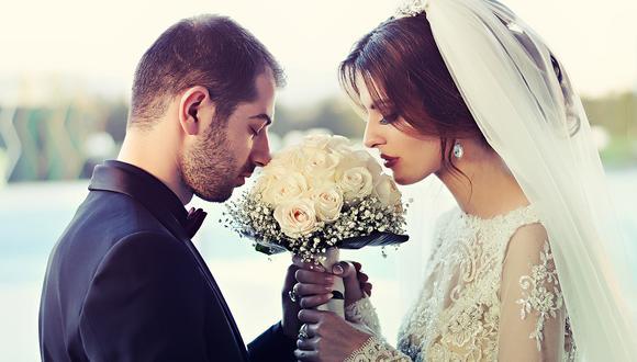 Pareja de novios estaba a punto de hacer sus votos matrimoniales con los anillos pero el juez termina por dejar caer los aros en el lago. (Foto: Pixabay / referencial)