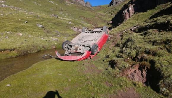 Pasco. Chofer y copiloto perdieron la vida en accidente de carretera. (Foto: Andina)