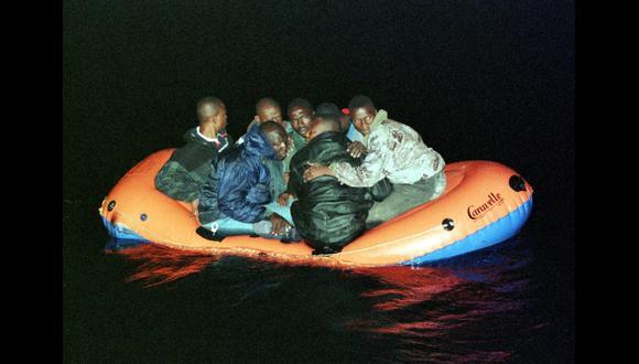 Libia: Naufraga embarcación con 250 inmigrantes africanos