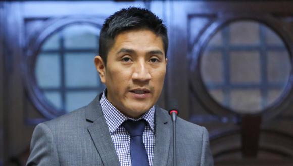 Jim Ali Mamani plantea inhabilitar por diez años a Martín Vizcarra. (Foto: Congreso)