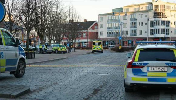 Ocho personas heridas con arma blanca en Suecia, reporta la policía. Hecho ocurrió en Vetlanda, localidad al sur del país. (Captura de pantalla/Twitter).
