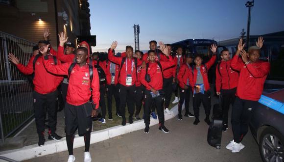 La selección peruana llegó este jueves por la tarde a la ciudad rusa de Saransk que será cede del primer cotejo que enfrentará la blanquirroja en el Mundial. (Foto: FPF)