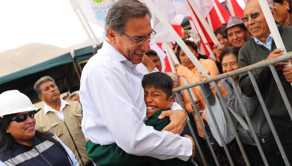 El mandatario Martín Vizcarra envió un saludo a todos los padres en su día. (Foto: Presidencia)