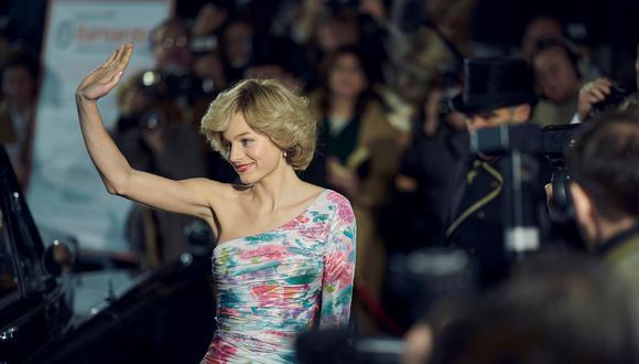 Diana de Gales (Emma Corrin) en la cuarta temporada, durante una escena filmada en el Lyceum Theatre. (Foto: Netflix)