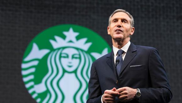 HOWARD SCHULTZ: El empresario estadounidense se ubica en el cuarto lugar de esta lista. Anteriormente, tuvo participación en empresas como: Seatlle SuperSonics, Square Inc. y Maveron. A la actualidad, es el director ejecutivo de Starbucks. Su patrimonio alcanza los US$ 3,1 mil millones, según la revista Forbes con fecha de abril del 2017. (Foto: AFP)