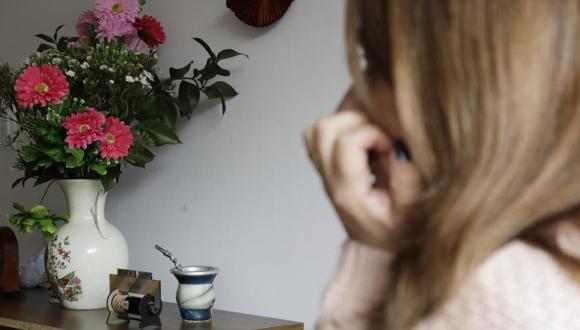 Marcela, la madre de Kevin, decidió contar su experiencia para que otras madres sepan detectar a tiempo los cambios en sus hijos.  Foto: Carlos Ortega, vía El Tiempo de Colombia/ GDA