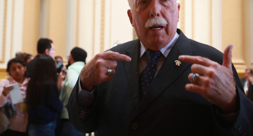 """Carlos Tubino adujo que el caso del congresista Luis López Vilela""""no se puede comparar"""" con el del congresista Moisés Mamani. (Foto: GEC)"""