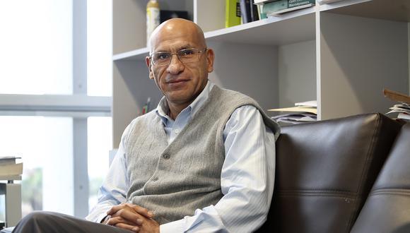 Waldo Mendoza también es profesor e investigador en el Departamento de Economía de la PUCP. FOTO: ROLLY REYNA / EL COMERCIO PERU
