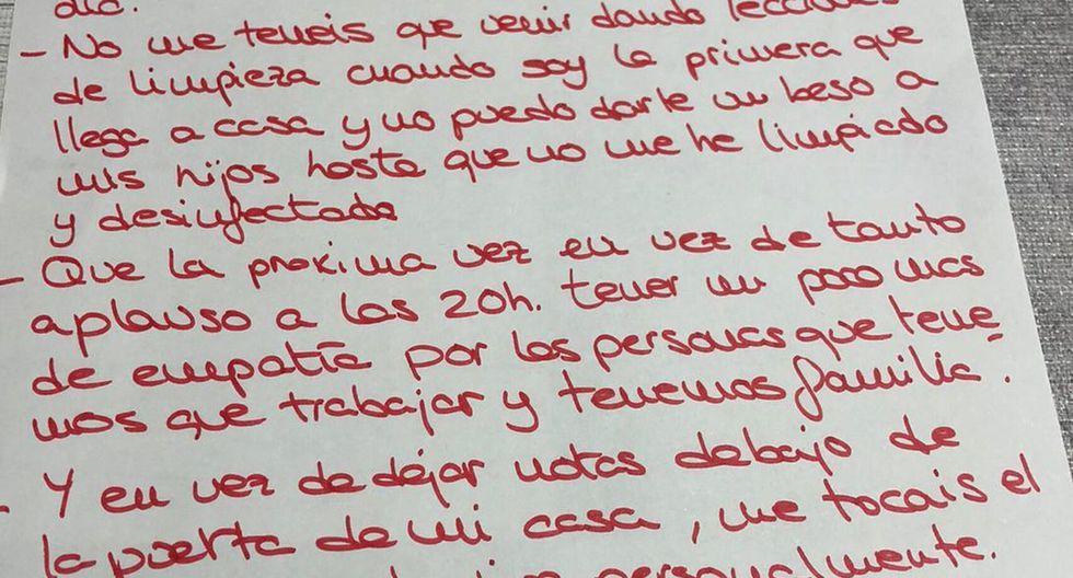 """Miriam Armero decidió responder, por lo que pegó otra nota en el espejo pidiendo un poco de """"empatía"""". (Fuente: Facebook)"""