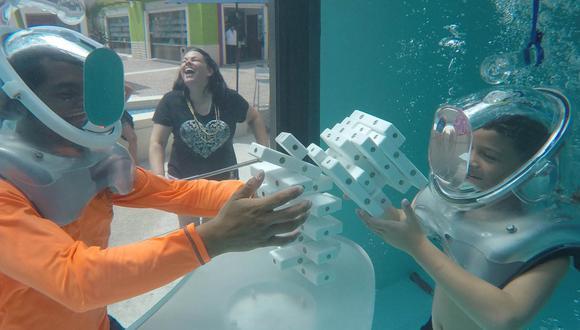 Conoce el primer bar subacuático del mundo