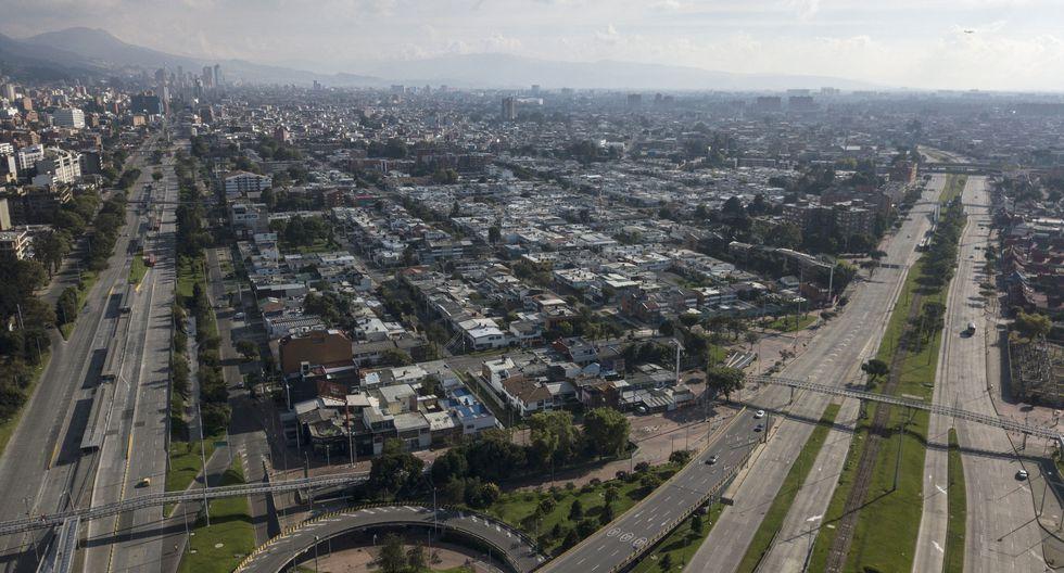 Carreteras desiertas en Bogotá, Colombia. (Fotógrafo: Ivan Valencia / Bloomberg).