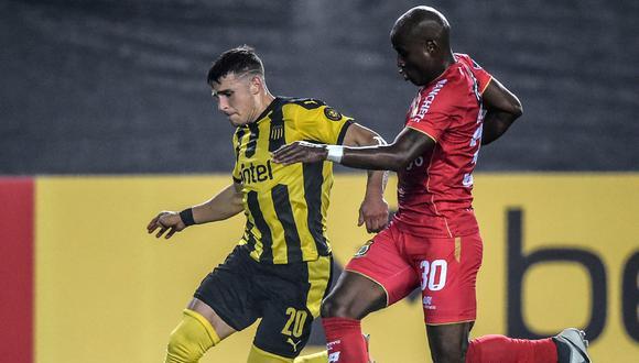 En el Monumental de Lima, Huancayo y Peñarol igualaron sin goles por la jornada 6 de la Copa Sudamericana 2021 | Foto: AFP