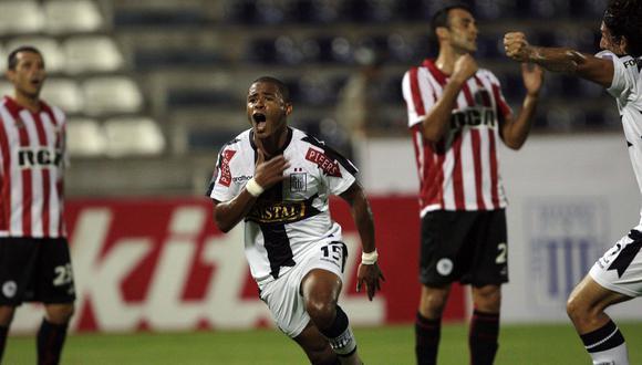 El 'Rayo'. Wimer Aguirre hizo un 'hat trick' en la goleada 4-1 ante Estudiantes de la Plata, en la Libertadores de 2010. (Foto: Archivo)