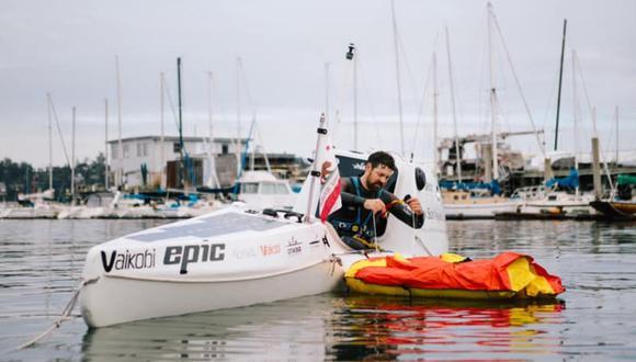 Cyril Derreumaux intentó la hazaña de viajar solo en kayak de California a Hawaii. (Foto: Facebook)