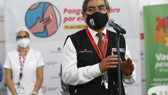 El ministro Óscar Ugarte detalló que para abril llegarán cada semana 200 mil dosis de Pfizer y que luego arribarán las vacunas de AstraZeneca, lo que permitirá, según dijo, cuadriplicar la vacunación. (Foto: Archivo GEC)