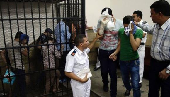 Detienen a 33 egipcios por mantener relaciones homosexuales