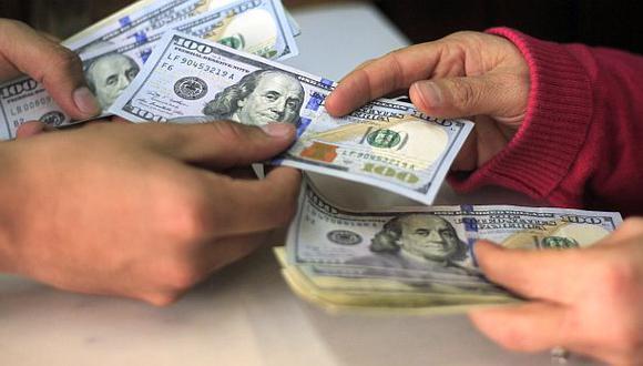 ¿Qué impulsó el tipo de cambio a la baja?