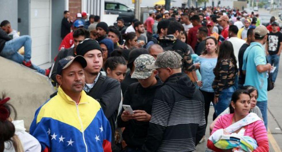 La entrada de venezolanos en el Perú puede haber reducido los salarios en las industrias minoristas y de servicios de la capital, Lima, donde la mayoría ha encontrado empleos. (Foto: El Comercio)
