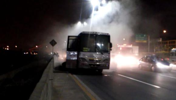 Vía de Evitamiento: bus se incendió y provocó gran congestión