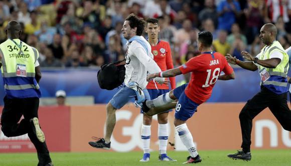 Gonzalo Jara, defensor chileno. (Foto: AP)