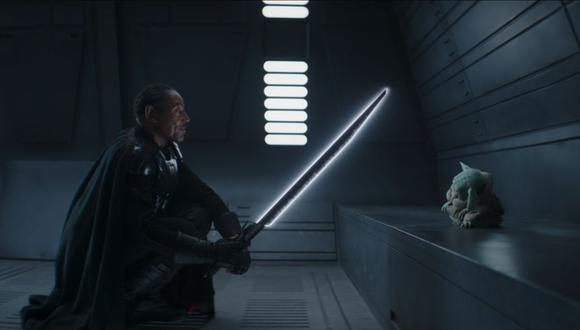 "Moff Gideon portaba el Darksaber en ""The Mandalorian"" (Imagen: Disney Plus)"