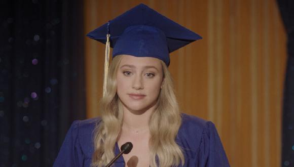Betty fue la encargada de dar el discurso de graduación y Archie cantó en la ceremonia  (Foto: The CW)