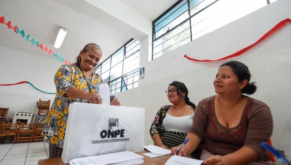 Los ciudadanos que cumplan su labor como miembros de mesa tendrán una compensación económica de S/ 120 y otros S/ 120 en una eventual segunda vuelta.  (Foto: Andina)
