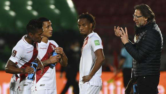 Perú cayó por 2-0 ante Chile en la jornada 3 de las Eliminatorias rumbo a Qatar 2022. (Foto: AFP)
