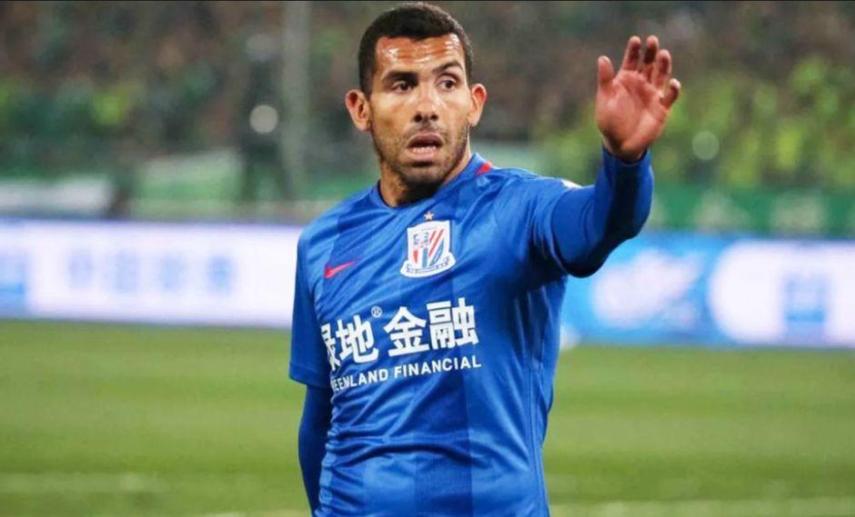 Luego de un paso deprimente en el Shanghai Shenhua de China, Carlos Tevez no sabe qué será de su carrera. ¿Acaso el retiro es inminente? (Foto: AFP)