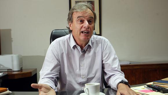 """El ministro Carlos Basombrío dijo que """"es difícil dudar"""" sobre la honestidad de la ministra de Justicia, Marisol Pérez Tello. (Archivo El Comercio)"""