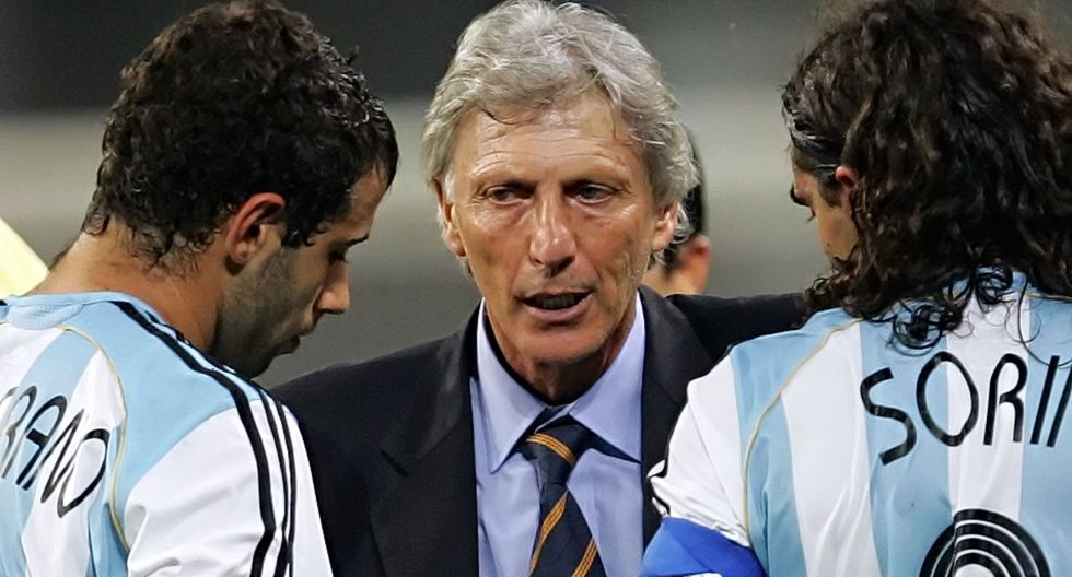 José Néstor Pekeman la dirigió entre 2004 y 2006. Renunció tras la eliminación en cuartos de final en Alemania 2006. (Foto: AFP)