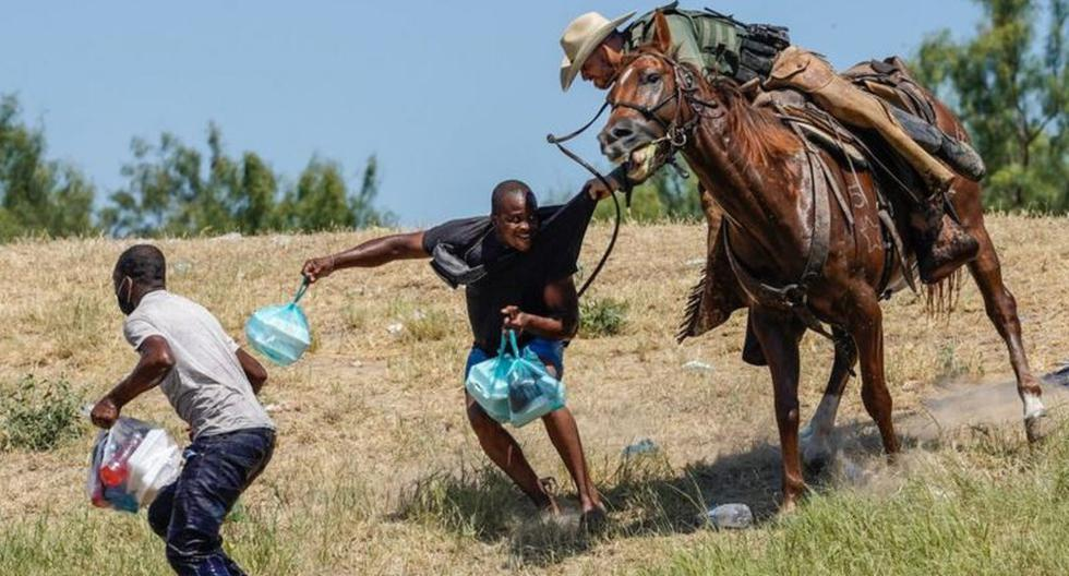 Controversial images of border agents chasing migrants on horseback in the US