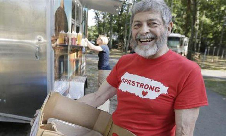 Joseph Badame acumuló alimentos durante décadas y donó todo a las víctimas del huracán María. (Foto: AP)